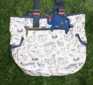 「LeSportsac Artist In Residence Kate Sutton」のバッグとコインポーチ