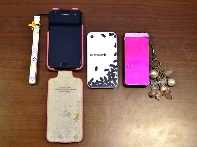 「GALAXY SⅢ」と「iPhone 4S」とドコモのガラケー