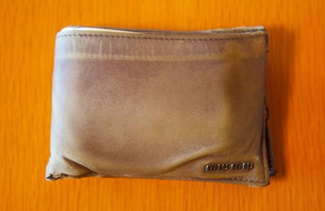 「miu miu」の財布