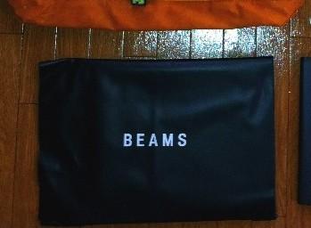 BEAMS クラッチバッグ