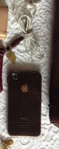 iPhone 4S とイヤホン