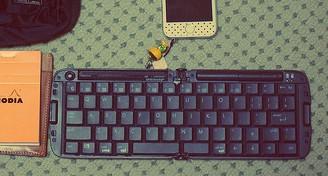 リュウド 折りたたみ式Bluetoothキーボード