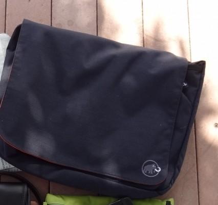 MAMMUTのショルダーバッグ