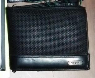 TUMIの財布