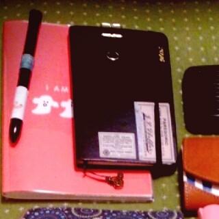 手帳とノートとボールペン
