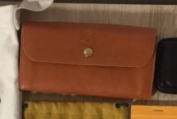 IL BISONTEの財布