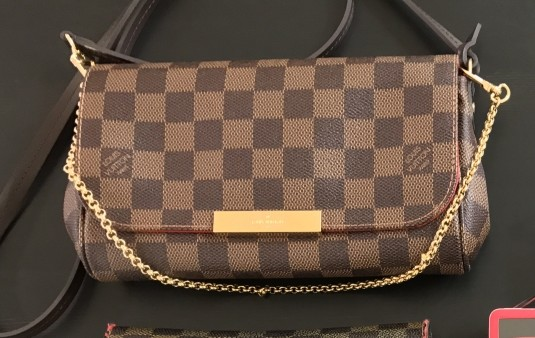バッグ:LOUIS VUITTON