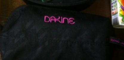 DAKINE のポーチ