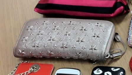 Jimmy Chooのお財布です。