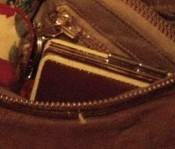 ピンキー&ダイアンのエナメル財布